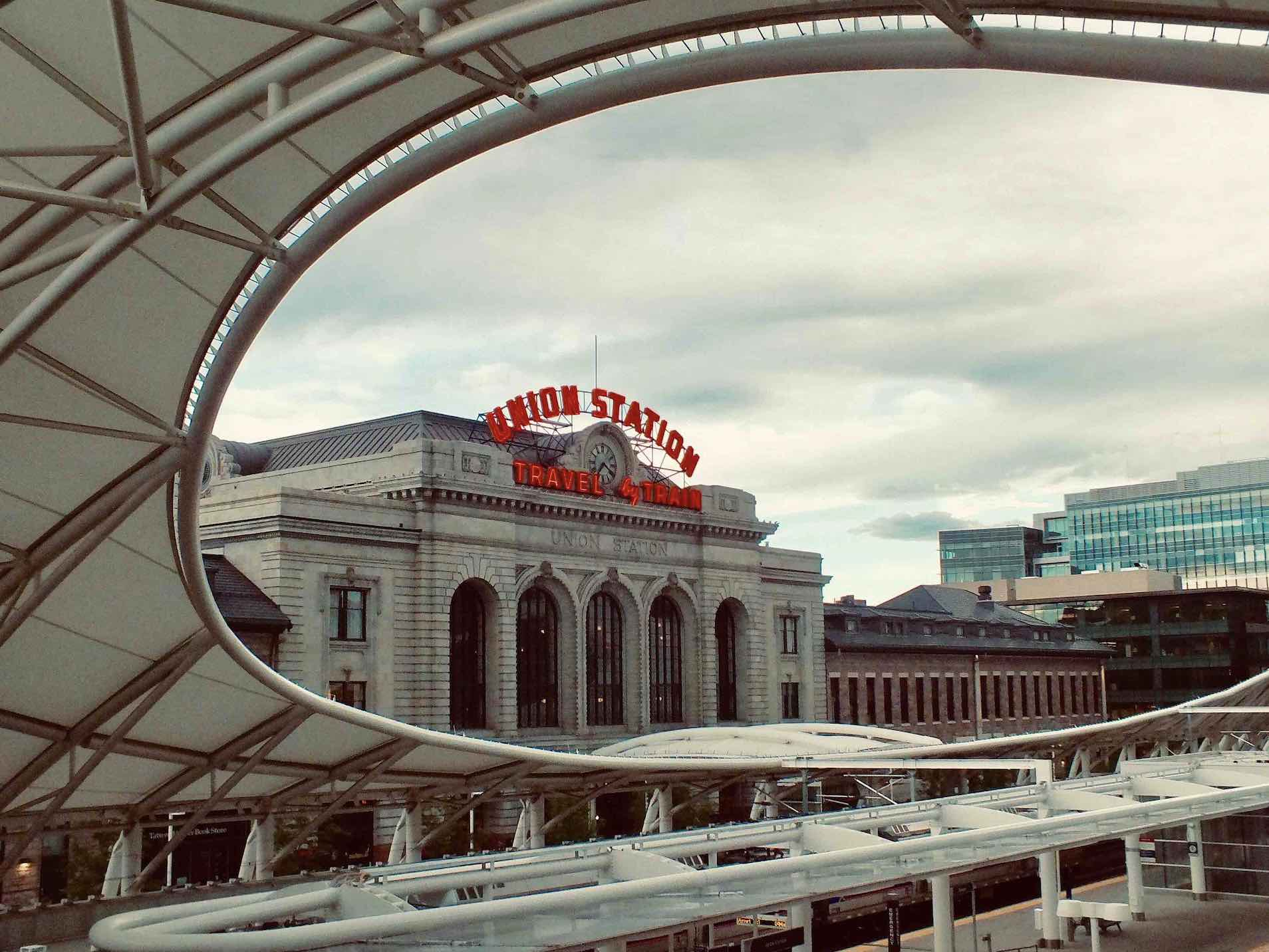 Visiting Union Station is one of the top things to do in downtown Deenver - pieter-van-de-sande-DZ7ZgGDsDrc-unsplash